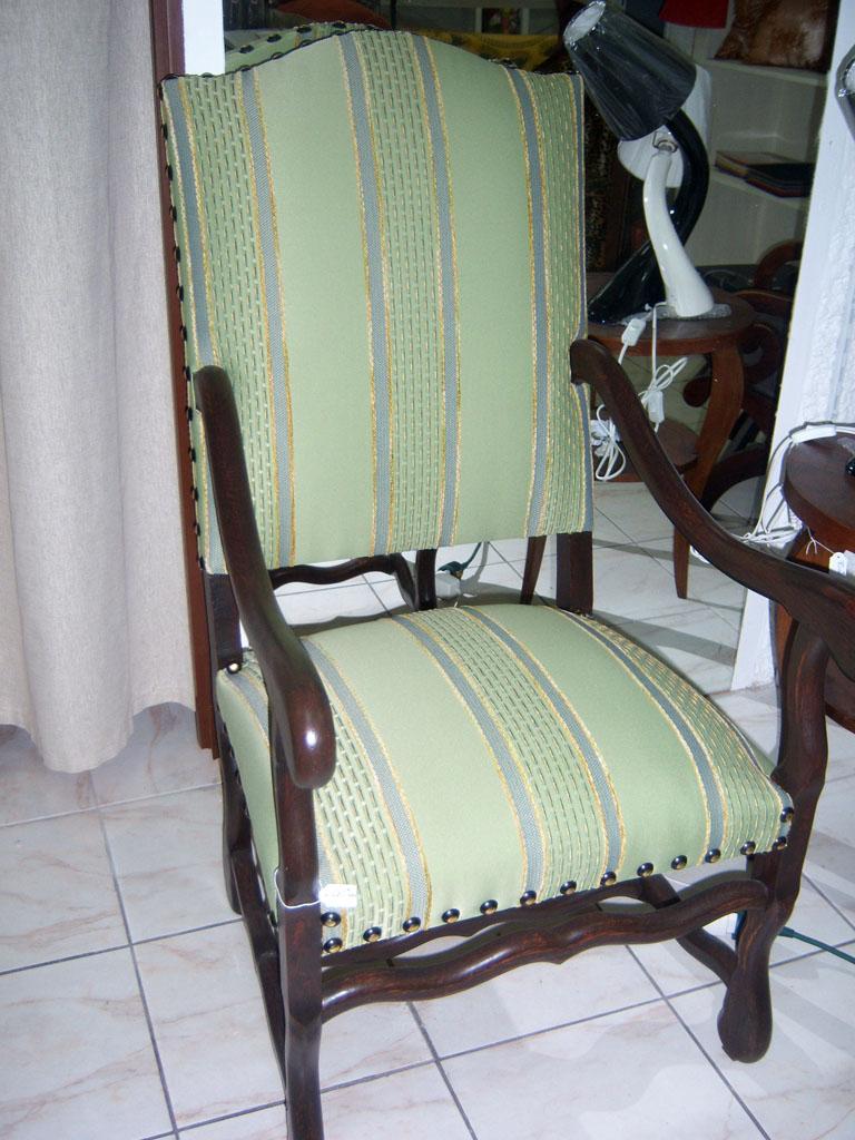 tapissier la rochelle tapissier la rochelle choisir un tapissier dcorateur moncoutant les. Black Bedroom Furniture Sets. Home Design Ideas
