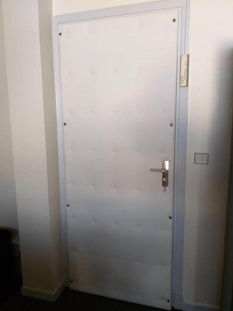 L Deco Nice 06 Porte Capitonnée
